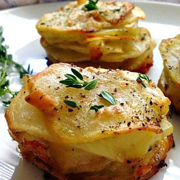http://www.agoudalife.com/smoked-gouda-muffin-tin-potato-stacks/