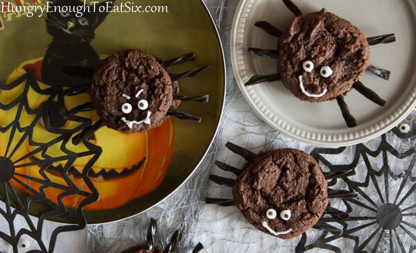 Halloween Spider Sandwich Cookies