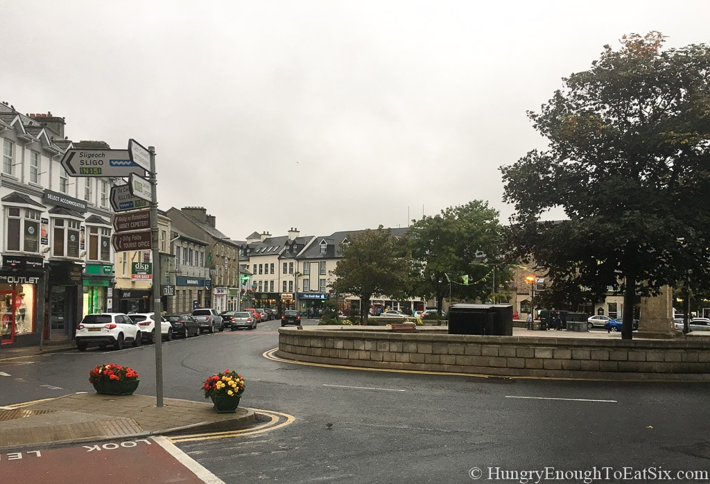Image of downtown Donegal town, Ireland