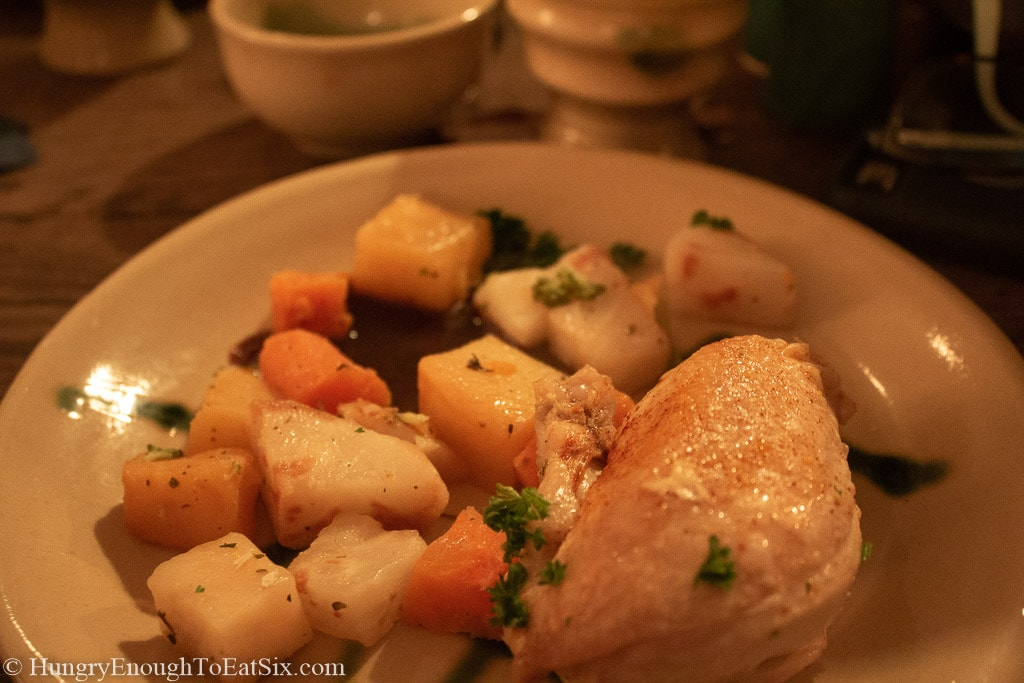 Image of chicken and vegetables at the medieval banquet, Bunratty Castle
