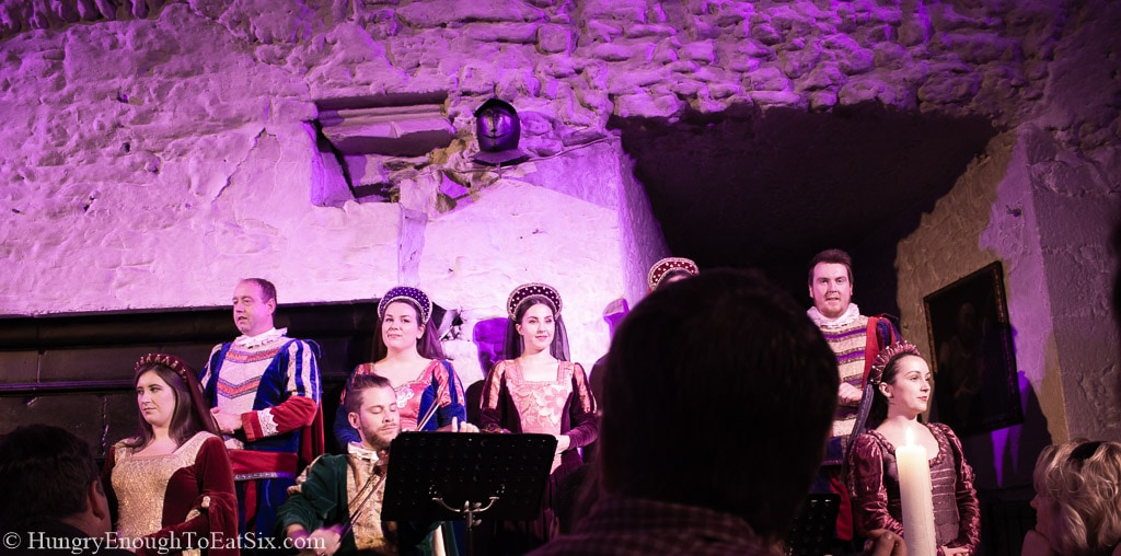 Image of minstrel singers performing in the Main Guard, Bunratty Castle