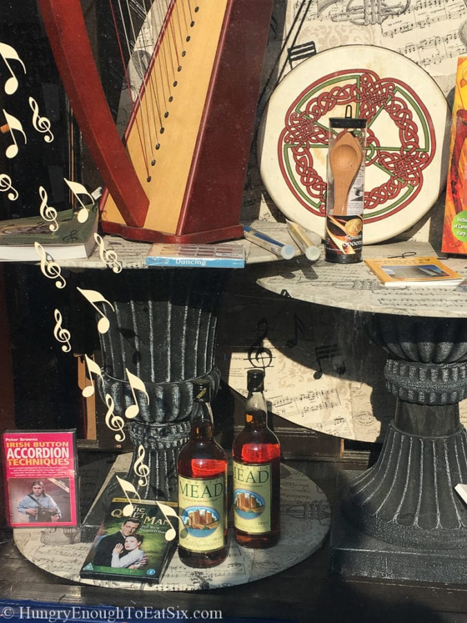 Image of Irish souvenirs in a store window