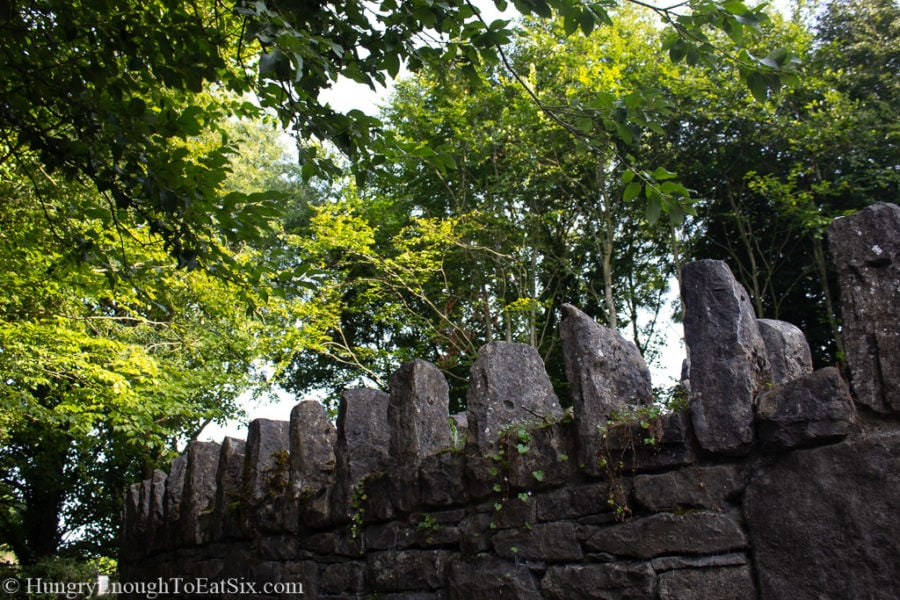 Image of a stone wall at Bunratty Castle